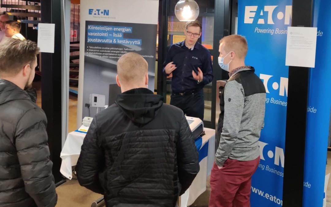 Yhteistyökumppanillamme Eatonilla vankkaa osaamista sähköautojen latauspisteistä